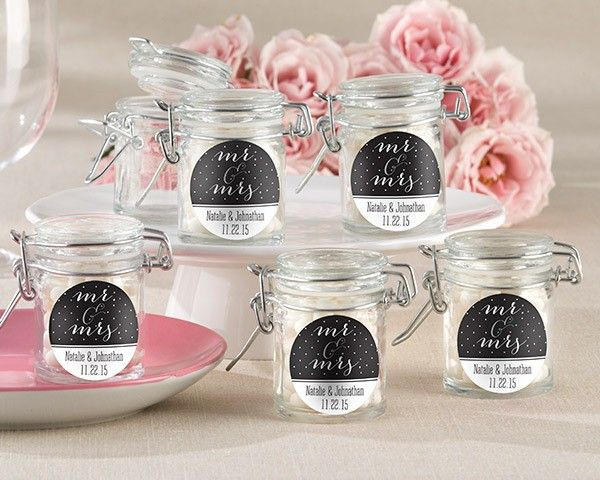 10 Mason Jar Wedding Favors Your Guests Will Love Taking Home