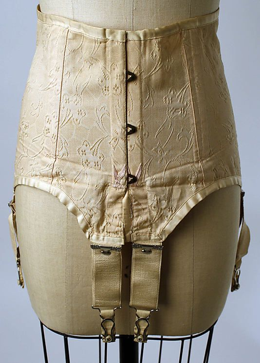corset dating Spirella corset, 1920s antique corset 1920 1 antique corset 1920 spirella corset dating from later teens or early 1920s this corset is a modeling / fitting garment which was used only as a sample for fitting woman for a custom made corset the corset is an expandable size to fit women, both large and small printed cloth.