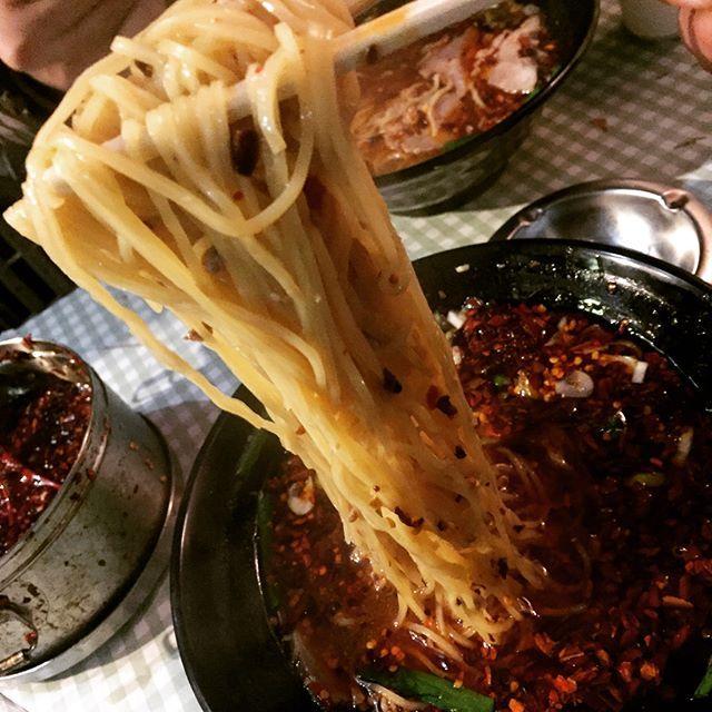 WEBSTA @ extremegarlicterror - 名古屋っぽいメシが何もかも微妙で草 #ラーメン#ラーメンインスタグラマー#ramen#麺スタグラム#台湾ラーメン#名古屋#屋台