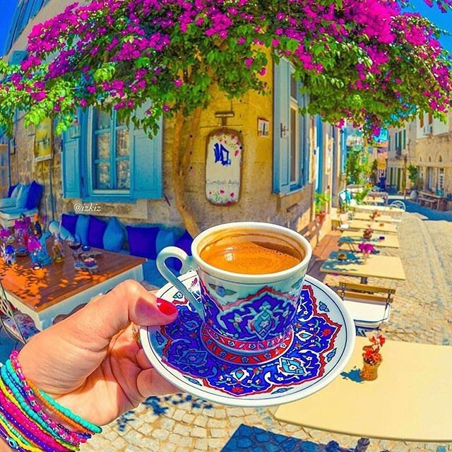 Alaçatı ☕️ #happysunday Explore Alacati with #alacatiturkey @alacatiturkey Photo by @izkiz