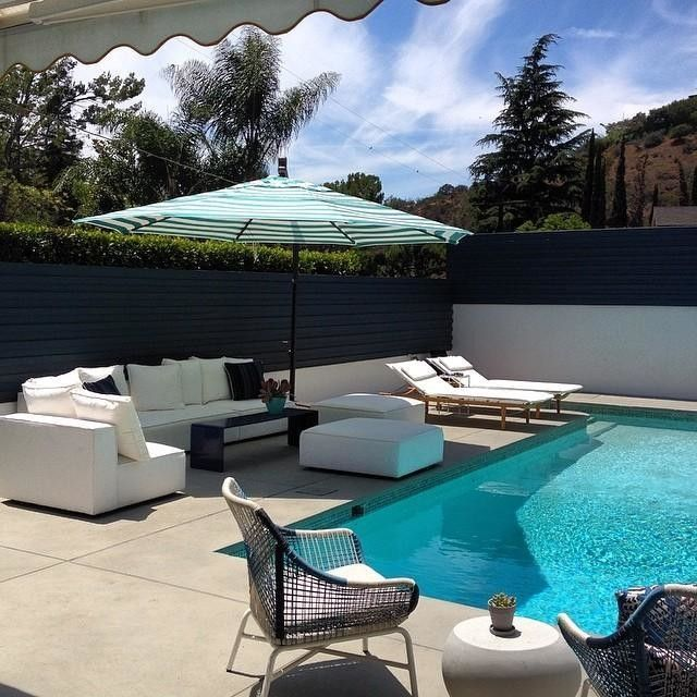 13 foot cantilever umbrella arrived to complete the furnishing of this #beverlyhills #modern #poolside patio #interiordesign #remodeling #decorating #dwr #roomandboard #westelm #rpbrooksandsons #oasisimports