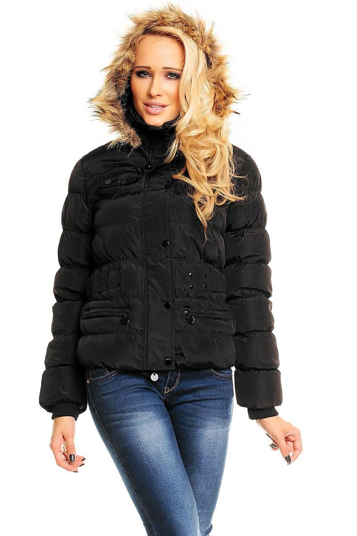 Abrigo Negro Adrexx Precioso abrigo acolchado para mantener la temperatura en las noches más frías de invierno. Viene acompañado de capucha y cuello alto. ¡Con el Abrigo Negro Adrexx estarás irresistible!
