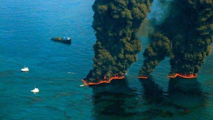 ❝ Calculan cuál es el daño causado por el derrame de petróleo más grande en la historia de EE.UU. ❞ ↪ Puedes leerlo en: www.divulgaciondmax.com