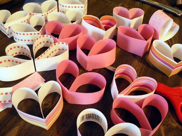 How to make a paper heart chain for Valentine's day!