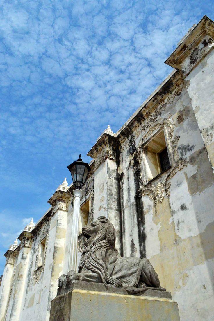 León Cathedral, León, Nicaragua | heneedsfood.com