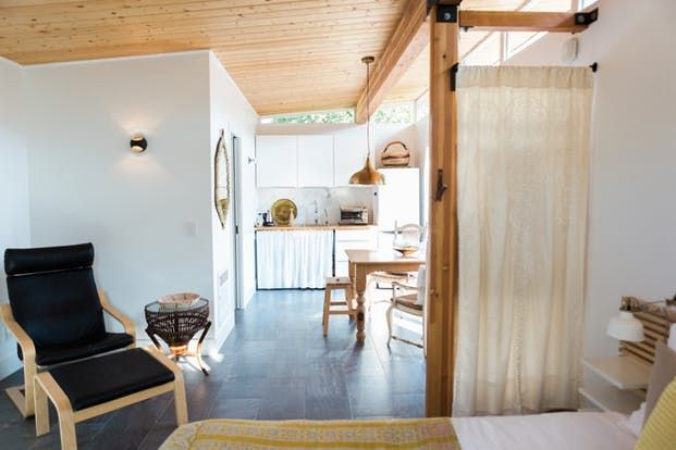 House Tour: A Tiny California Backyard Guest House   Apartment Therapy