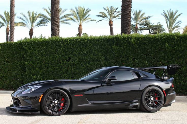 Dodge SRT Viper ACR painted in Black Photo taken by: @dinautomedia on Instagram (@acrgene on Instagram is the owner of the car)