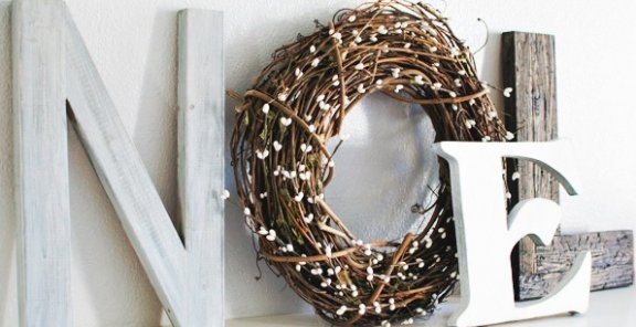 DIY Noel Holiday Mantle Art (smaller scale with battery operated lights on the wreath?