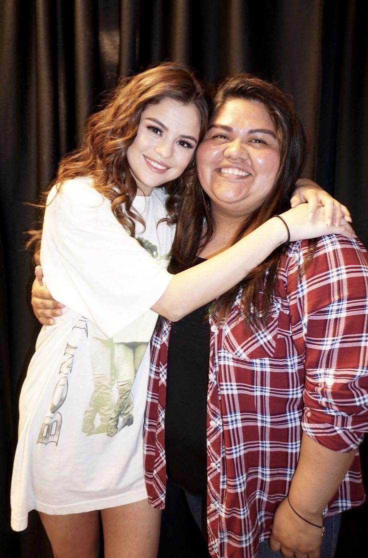 Selena Gomez > Tours & Concerts > Revival Tour 2016-2017 > Meet & Greet > In Fresno, California - May 8, 2016