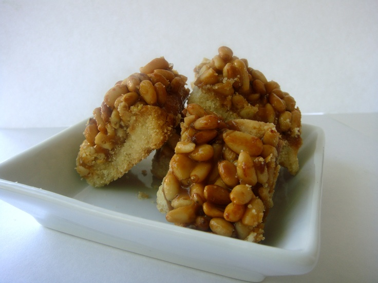 Caramel pine nut bars | Desserts, Treats and Baked goods | Pinterest