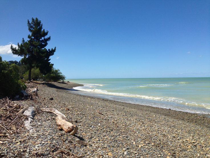 Kina Beach, NZ