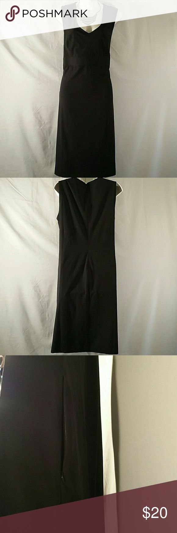 NWOT * Sheath Dress * Plus Size Beautiful * Black * Sleeveless * Knee Length * Side Zipper Pockets * Zipper down the Back * Polyester Spandex * Bundle and Save * Travel Smith Dresses