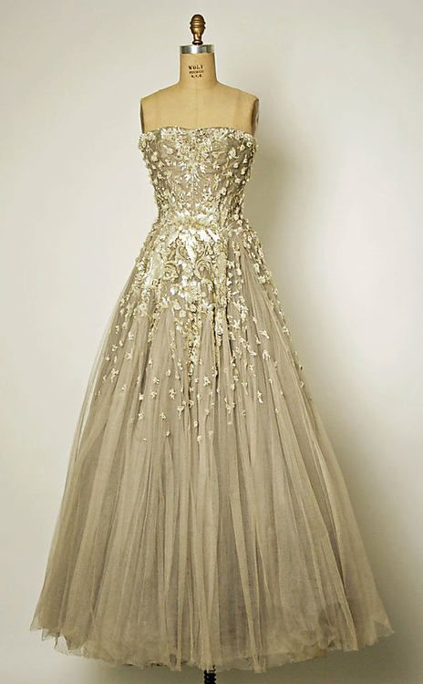 OMG that dress!  Chambord  Christian Dior, 1954  The Metropolitan Museum of Art