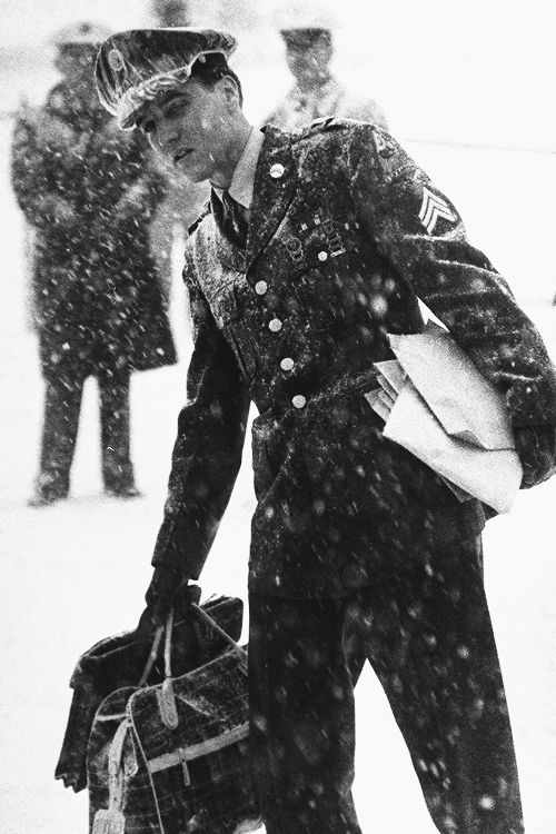 Elvis Presley arriving at McGuire Air Force Base in Fort Dix, New Jersey,March 3, 1960. °