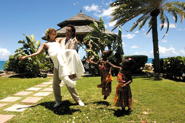 Wedding at Blue Waters copyright: Antigua & Barbuda Tourism Authority