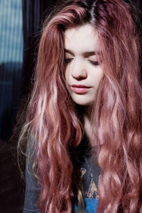 In love with this pink gold rose hair color beautiful long hair Try new hair colors virtually! itunes.apple.com/...