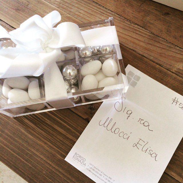 """Che sorpresa """"dolcissima"""" al rientro in camera #confetti di Antonella @conticonfetteria. Una piccola pausa prima di riprendere i lavori per il #ktgaladinner @karentranevents"""