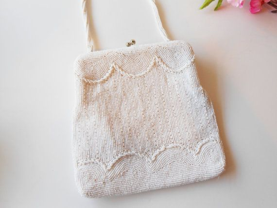 Bianco perline sera borsa Vintage Magid di LittleBitsofGlamour