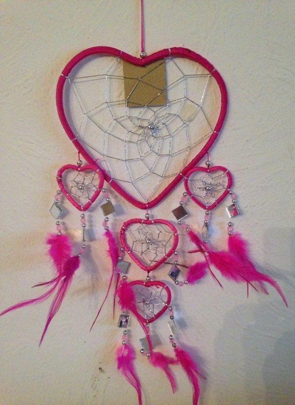 Dromenvanger 17 cm roze hartvorm met spiegeltjes € 7,95