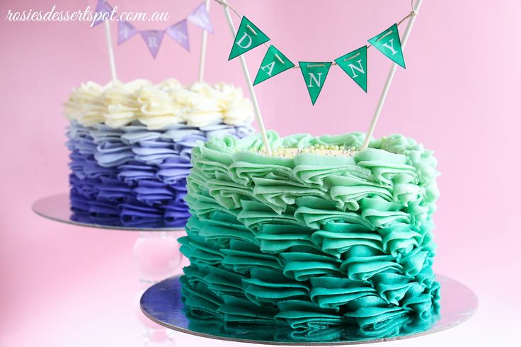 Buttercream Ombre Cake Tutorial -- the teal buttercream in the video would make for a beautiful beach-themed cake. Just top with brown sugar for sand and some other fun ocean/beach decorations