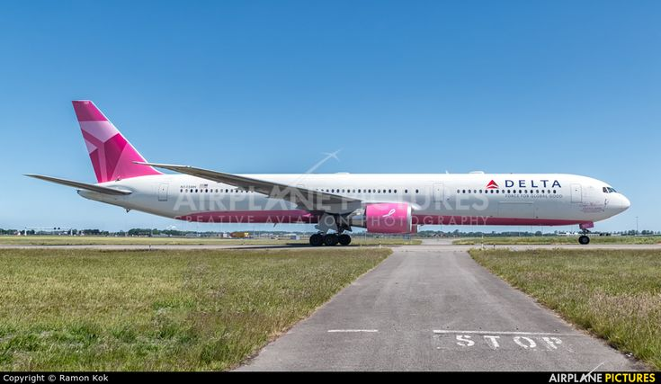 Delta Air Lines Boeing 767-400ER N845MH at Amsterdam - Schiphol photo