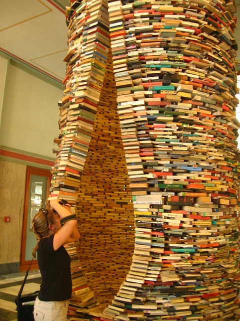 #Booksculpture in #Prague