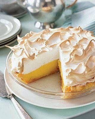 Citroen merigue taart lekker fris in de zomer of als licht na gerecht. lekker