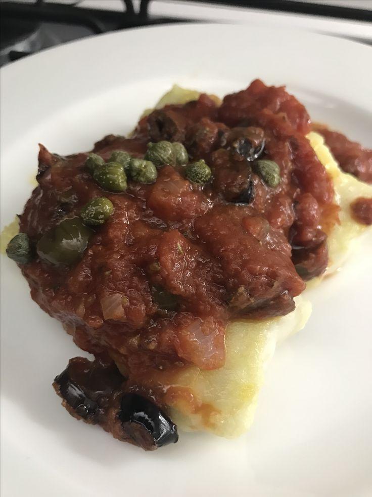 Merluzzo in pomodoro, olive e capperi