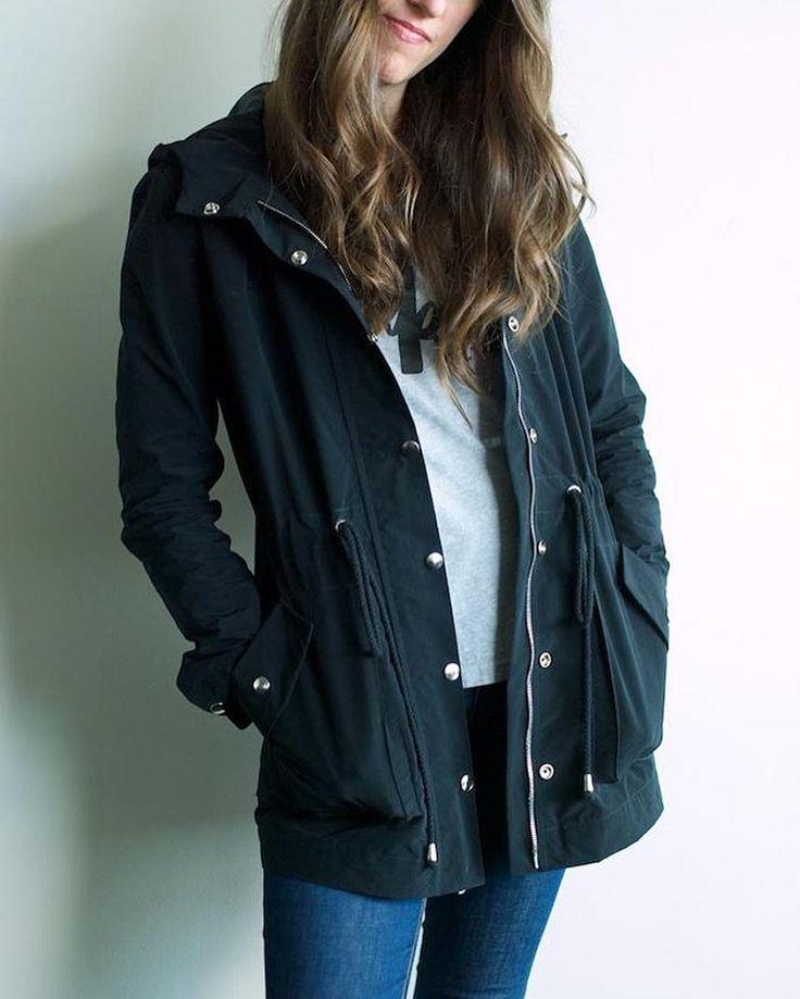 Our Pattern namesake! Kelly, aka @cutcutsew in her chic black Kelly Anorak jacket.