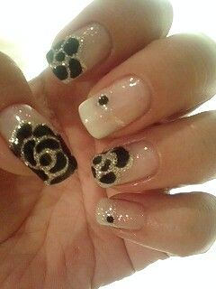 black rose & gold lining nails