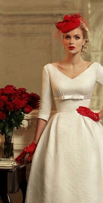 Wow! White dress with red accessories. So great!