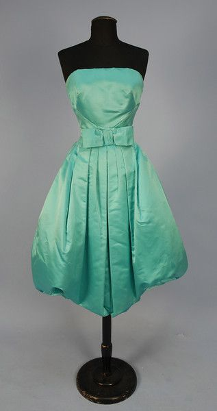 ~1950s Cocktail Dress~  I love this dress! Would be better in a different color but I love everything else about it!! CW