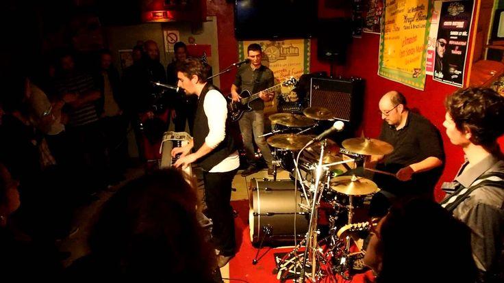 Choma by Monorgan à Open Zik Live Casa Latina (Bordeaux 18-12-2014) Choma by Monorgan à Open Zik Live Casa Latina (Bordeaux 18-12-2014): http://youtu.be/KG1uiOOfW98 #bordeaux #Barmusical #bar #mojito #tapas #concert #fiesta