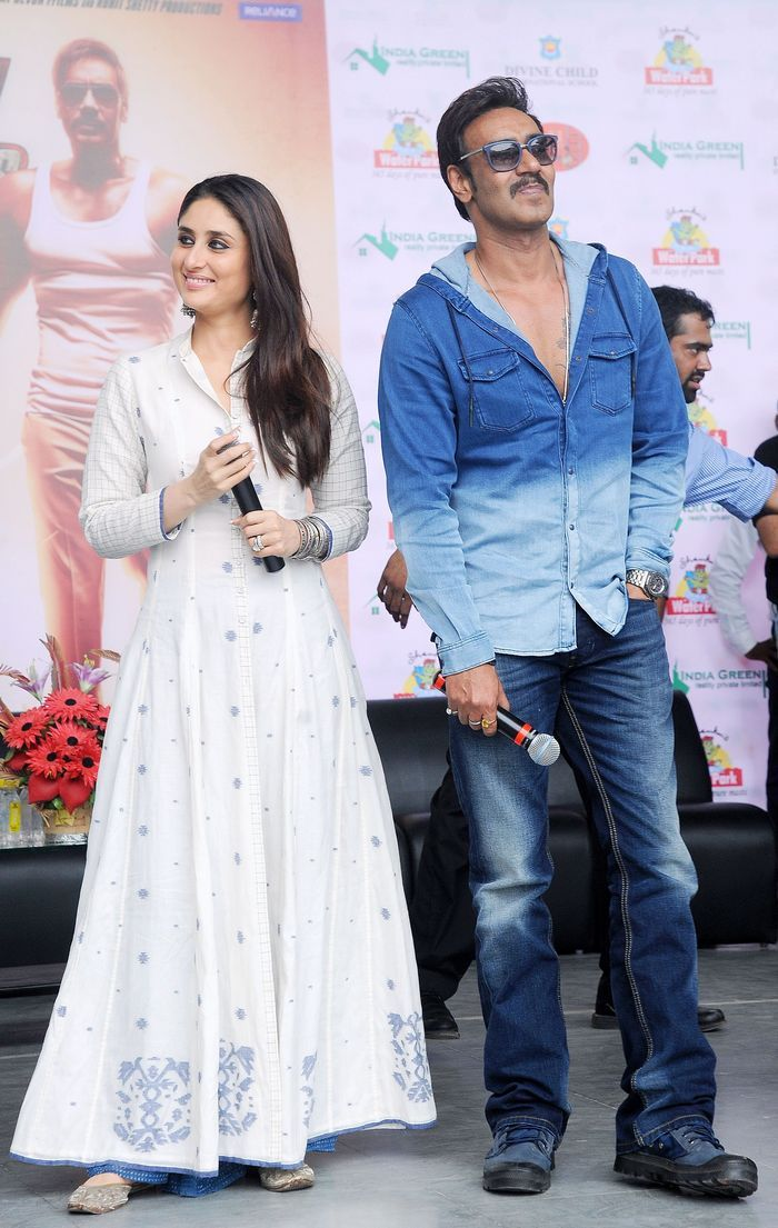 Ajay Devgn and Kareena Kapoor Khan at a school in Ahmedabad to promote 'Singham Returns'. Style #Bollywood #Fashion #Beauty