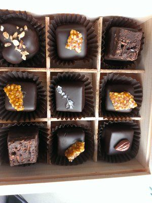The Cat's Tongue Chocolatiers, chocolate shop and cafe, specialises in handmade chocolates and pralines with an offbeat breakfast and lunch menu Wholesale enquiries welcome. Huonville Tasmania, Australia Contact: 0428 411 455 http://www.thecatstongue.com.au