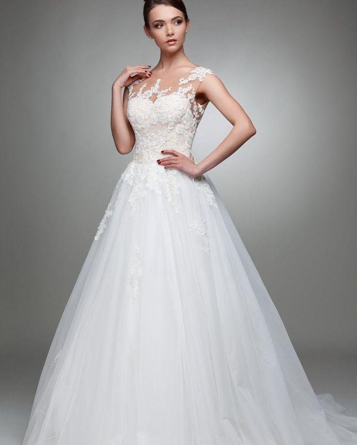 Schönes Brautkleid Art 1809 www.schantal.de  #anprobe #braut #brautkleid #brautmode #brautmodeschantal #bridal #bride #deutschland #hannover #heiraten #hochzeit #hochzeitskleid #neuekollecktion #österreich #princess  #realbride #realwedding #schantal #schweiz #wedding #weddingdress #weddingfashion #weddinginspiration #weddingshopping #weddingwear #sposa #verlobungsring #brautatelier