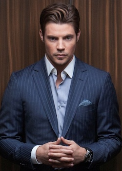 josh henderson. am i the only one rooting for john ross? #dallas
