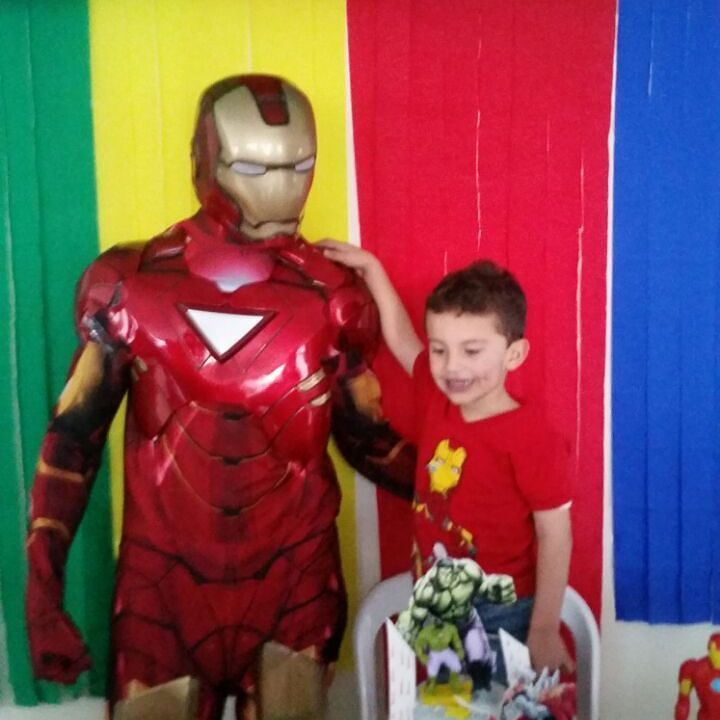 Tenemos los mejores  eventos para fiestas infantiles  llámanos 3204948120  tenemos increíbles personajes  para compartir tu día especial