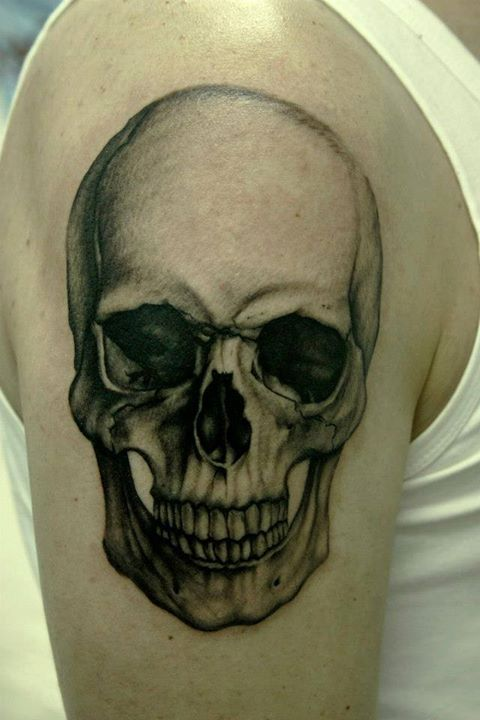 This skull is insanely realistic. Definitely using this for my half sleeve!
