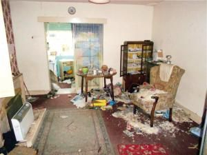 These 20 Terrible Real Estate Photos Will Make You Appreciate Your Own Humble Abode: 20 Hilariously Terrible Real Estate Photos