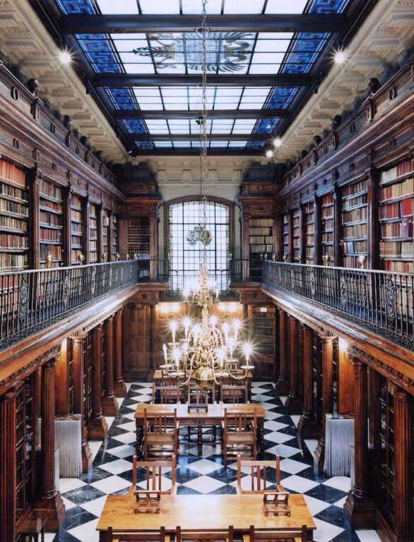 Candida Höfner Beautiful Librairies- Detmold Germany