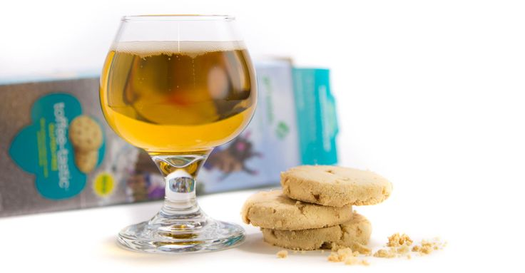 To celebrate the Girl Scouts of the USA, here is a collection of editors' picks for cookie-and-beer pairings and suggestions we compiled from around the web—updated with the new gluten-free cookies.