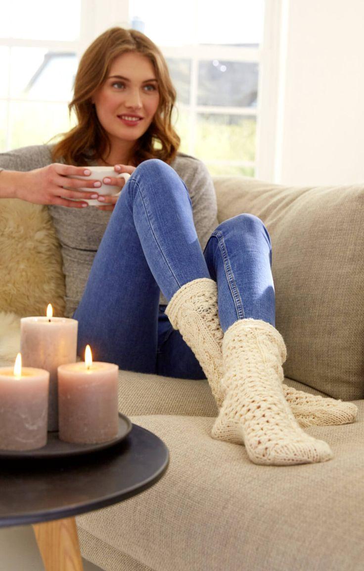 Hygge-Socken mit Aranmuster - kostenlose Strickanleitung