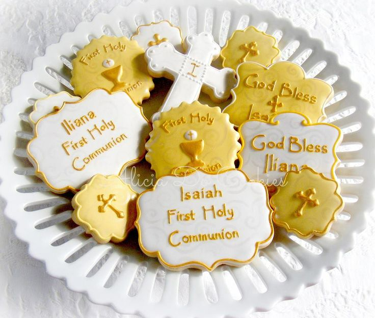 """A """"sweet"""" way to celebrate First Holy Communion! Serve on our pretty Sacramental party plates! Cookies by Alicia Do Cookies. http://www.catholicchild.com/Party-Trimmings/products/69/"""
