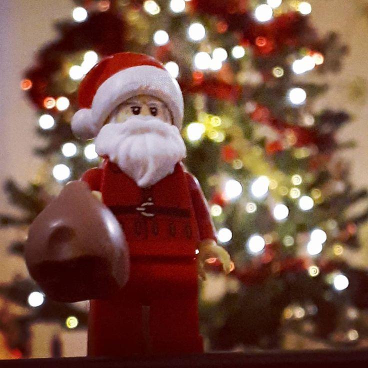 Kellemes, játékkal teli ünnepeket kívánunk Nektek! #christmas #santa #holidays #egyszerbolt
