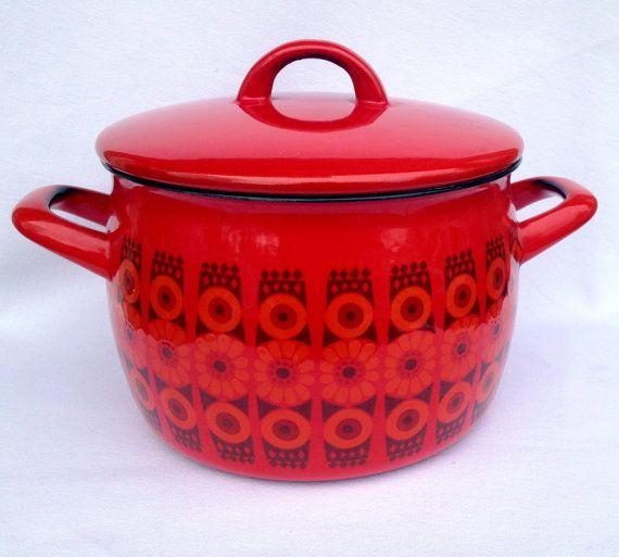 60s Kaj Franck Daisy Finel Arabia Enamel cooking pot. Mid century modern