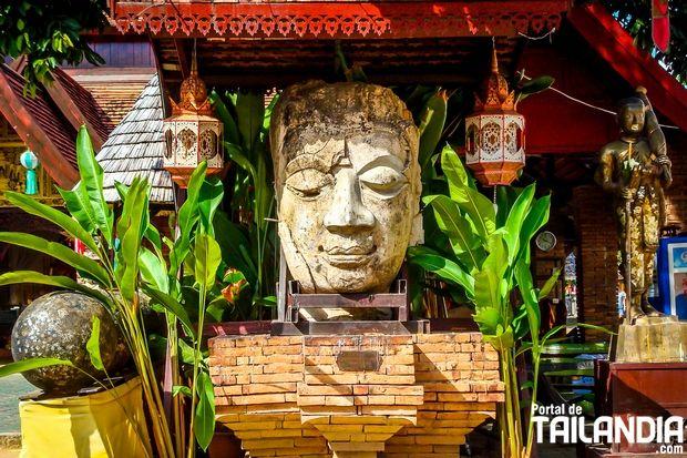 El templo Wat Jetlin (Chedlin) de Chiang mai, es uno de los más peculiares santuarios de la antigua zona amurallada de esta norteña ciudad de Tailandia. ¿Vienes a pasear por él? #chiangmai #tailandia #templos #vacaciones #viajar http://www.portaldetailandia.com/templo-wat-jetlin-chiang-mai/