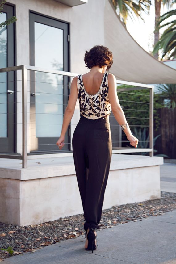 LOVE the sequined top: Karla Their, Dresses Tops, Crop Tops, Fashion Style, Karla Closet, Street Style, Embellishments Tops, Black Pants, Parachutes Pants