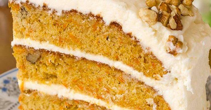 Krásny a nenáročný mrkvový koláč, ktorý budete mať za hodinku pripravený na servírovanie :). Môžete ho pripraviť ako veľkonočné pohostenie pre hostí či jednoduchú narodeninovú tortu. Čas prípravy: 1 h Porcie: 23 cm torta Ingrediencie mrkvový korpus 3¼ hrnčeka hladkej múky 1½ hrnčeka oleja 2 hrnčeky krupicového cukru 6 vajec 1 lyžica vanilkového extraktu 2 lyžičky mletej škorice 2 lyžičky