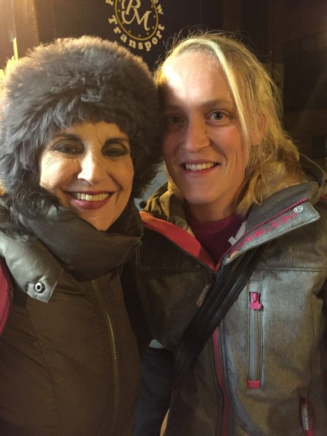 When it was announced that Lesley Joseph would be returning to Annie as Miss Hannigan at different venues and Sunderland was one of those I just had to go! I have always loved Birds of a Feather (U…